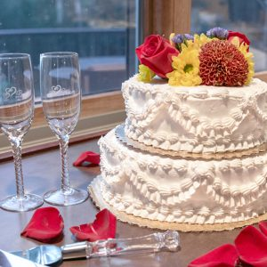 Wedding Cake with Fall Flowers (1)
